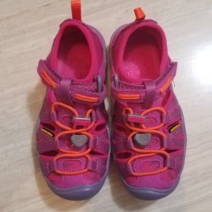 🆕 keens water shoe toddler size 10